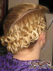 Профессиональное плетение волос , макияж,  маникюр.